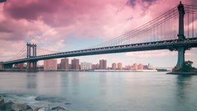 Lapso de tiempo panorámico 4k del día del puente de Manhattan de New York City