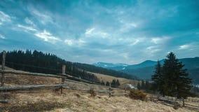 Lapso de tiempo perfecto del paisaje de la montaña almacen de video