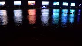 Lapso de tiempo - propaganda/carteleras del anuncio - río de Saigon - Ho Chi Minh City almacen de video