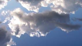 Lapso de tiempo tempestuoso de las nubes, cantidad común