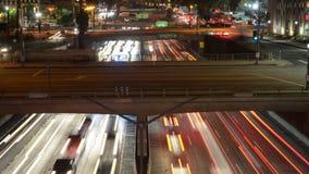 Lapso de tiempo - vista de arriba del tráfico en la autopista sin peaje ocupada 10 en Los Ángeles céntrico metrajes
