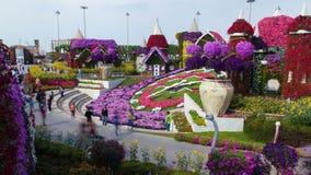 Lapso Dubai da horas do jardim do milagre Bandeja acima video estoque