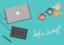Laptop auf dem Tisch mit Grafiktablette Stockfoto