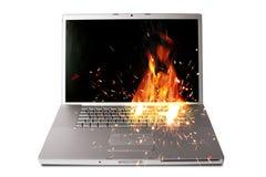Laptop-Computer auf Feuer Lizenzfreie Stockbilder