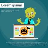 Laptop-Computer Zombie-Jungen-furchtsame Zeichentrickfilm-Figur Stockbild