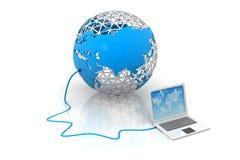 Laptop computerapparaten aan wereld worden aangesloten die Royalty-vrije Stock Foto's