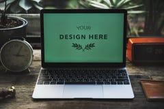 Laptop de technologie van het modelontwerp stock fotografie