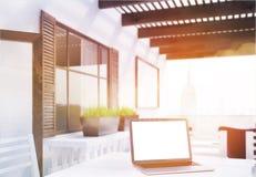Laptop en het panorama van New York Royalty-vrije Stock Fotografie