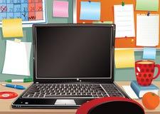 Laptop en slordig werkstation Royalty-vrije Stock Afbeelding