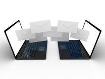 Laptop en vliegenveloppen Royalty-vrije Stock Afbeelding