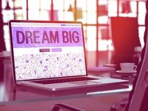 Laptop het Scherm met de Droom van het Motivatiecitaat Royalty-vrije Stock Foto's