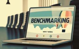 Laptop het Scherm met het Benchmarking van Concept 3d Stock Afbeelding