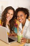 laptop kobiety Zdjęcia Royalty Free