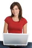 Laptop-Mädchen Lizenzfreie Stockfotografie