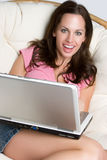 Laptop-Mädchen Lizenzfreie Stockfotos