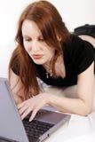 laptop młode kobiety Fotografia Stock