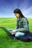 Laptop meisje Stock Afbeeldingen