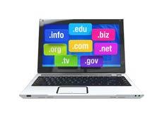 Laptop met Domeinnamen Stock Foto's