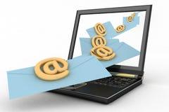 Laptop met inkomende brieven via e-mail Stock Foto's