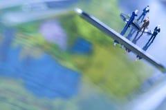 Laptop mit Abbildung über Chrom Lizenzfreies Stockfoto