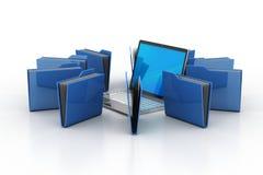 Laptop mit Dateiordner Stockfoto