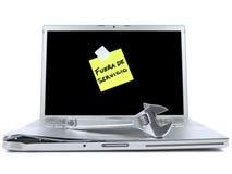 Laptop mit klebriger Anmerkung und Hilfsmittel Lizenzfreies Stockbild