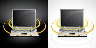 Laptop mit Radioapparat Stockbilder
