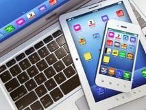 Laptop, mobiele telefoon en digitale tabletPC Stock Foto's