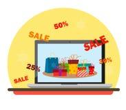 Laptop monitor met giften op de het scherm en Kerstmiskortingen in de stijl van vlakte royalty-vrije stock foto