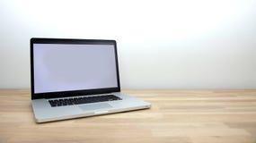 Laptop na Stole Zdjęcia Royalty Free