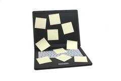 Laptop notitieboekje dat op wh wordt geïsoleerdT Stock Afbeeldingen