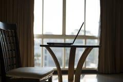 Laptop op de Lijst Royalty-vrije Stock Afbeelding