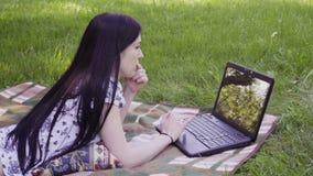 laptop park używa kobieta zdjęcie wideo