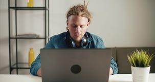 laptop pracy zbiory