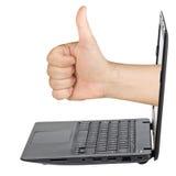 Laptop ręki kciuk Up Lubi Odosobniony Obraz Royalty Free