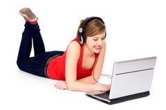 laptop używać kobiety potomstwo zdjęcia stock