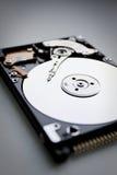 Laptop und CAB-Datei mit Ringmappen Lizenzfreies Stockbild