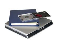Laptop und Datei mit Speicher stockbild