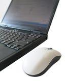 Laptop und Maus Lizenzfreie Stockfotografie
