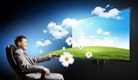 Laptop und Mediaspeicher, der online kauft Lizenzfreies Stockbild