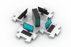 Laptop und Server schließen in den Puzzlespielen an Stockfotografie