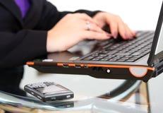 Laptop und smartphone Lizenzfreie Stockfotos