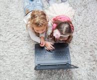 Laptop van de kinderentechnologie Stock Afbeeldingen