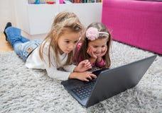 Laptop van de kinderentechnologie Stock Foto