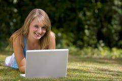 Laptop van de zomer stock foto