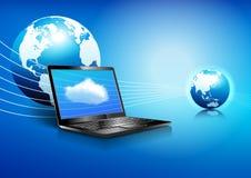 Laptop Wolk die Globale Digitale Communicatie Wereld gegevens verwerken Stock Afbeelding