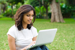 laptop woman Στοκ Φωτογραφία
