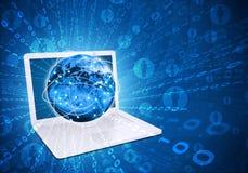 Laptop z jarzyć się postacie i ziemię Obraz Stock