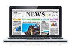 Laptop z wiadomości gospodarcze miejscem na ekranie Zdjęcie Stock