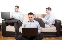 Laptop zu Hause Lizenzfreies Stockfoto